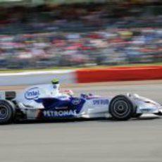 Kubica rueda rápido en Silverstone