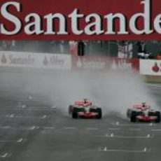 Los dos McLaren en paralelo