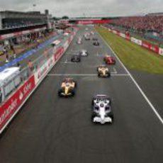 Salida del GP de Gran Bretaña