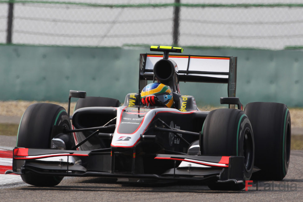 Senna rueda en el GP de China 2010