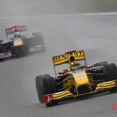 Kubica rueda por delante de Vettel