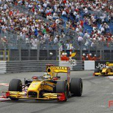 Kubica rueda por delante de su compañero