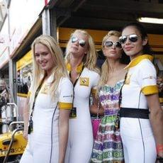 Las chicas de Renault y Paris
