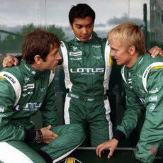 Nuevos monos para los pilotos de Lotus