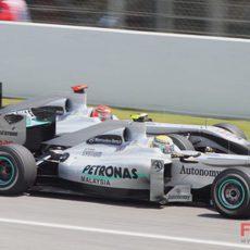 Schumacher y Rosberg durante los libres del sábado