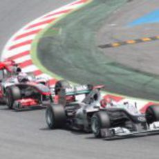 Schumacher se defiende de Button
