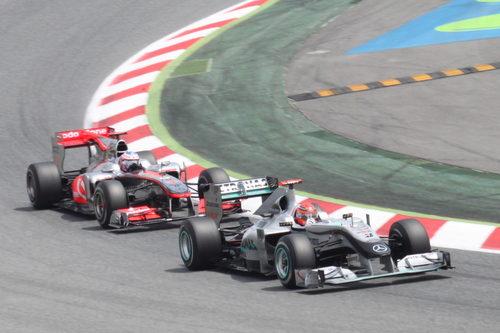 Schumacher se defiende de Button