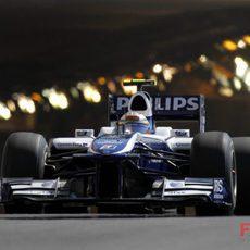 Nico sale del túnel con el FW32