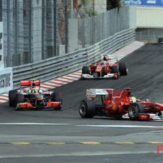 Fernando se acerca a Hamilton y Massa