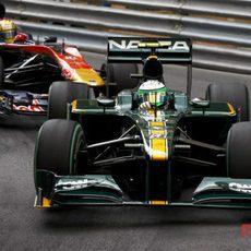 Alguersuari persigue al Lotus de Heikki