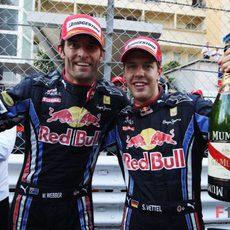 Webber y Vettel celebran el doblete de Red Bull