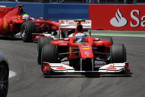 Alonso y Massa ruedan juntos en Valencia