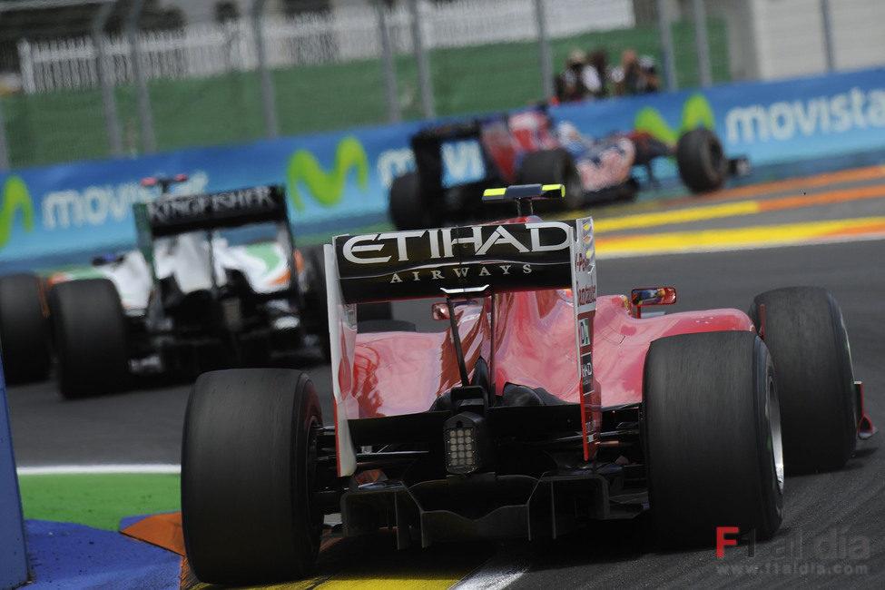 El monoplaza de Ferrari estrenó los 'escapes sopladores' en Valencia