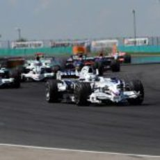 Heidfeld delante de Barrichello