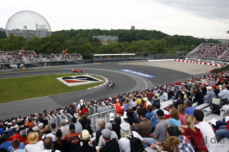 Schumacher y Alonso pasan por la horquilla