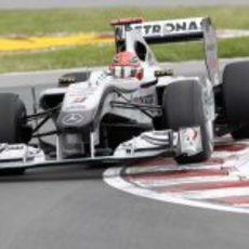 Schumacher volvió a acabar fuera de los puntos