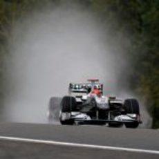 Schumacher sobre mojado