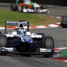 Barrichello acaba décimo