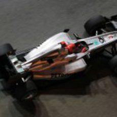 Schumacher acaba muy atrás