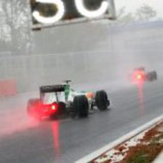Liuzzi por detrás del Safety Car