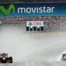 Senna pasa por meta
