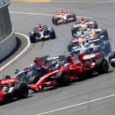 Raikkonen en la primera vuelta