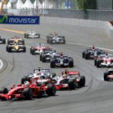 Massa lidera la carrera