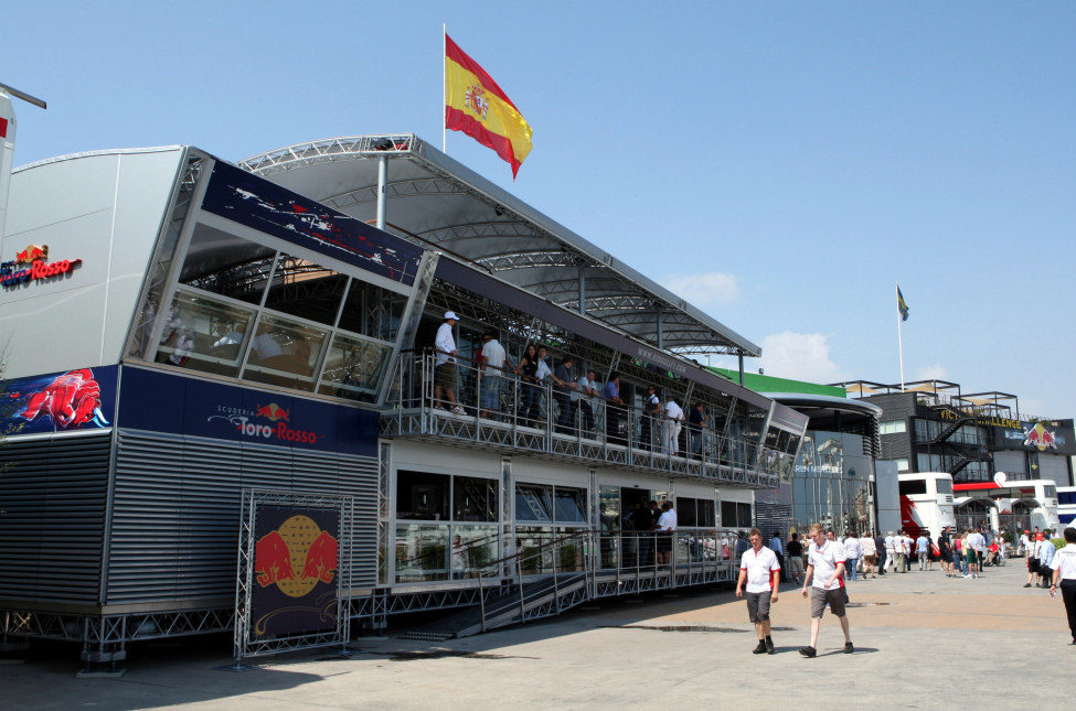 El red bull energy station f1 al d a for Imperial motor inn state college