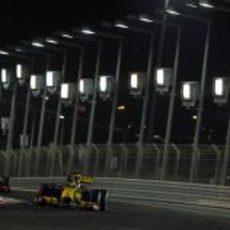 Kubica y Hamilton pelean en Abu Dabi