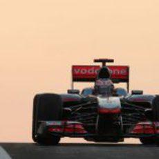Button en la carrera de Abu Dabi