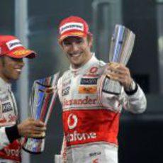 McLaren consigue un doble podio en Abu Dabi