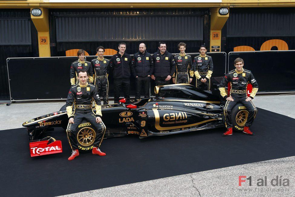 La alineación de pilotos de Lotus Renault GP casi al completo