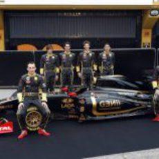 Todos los pilotos de Lotus Renault GP junto al R31