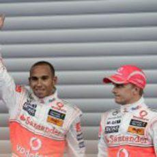 Hamilton celebra la pole