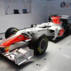 El F111 en su box en Montmeló