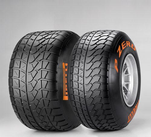 Un neumático de lluvia con mucho dibujo