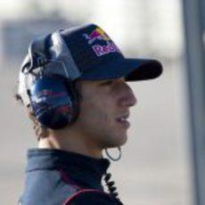 Daniel Ricciardo espera su oportunidad en Barcelona