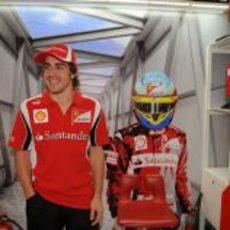 Fernando Alonso ya está en Melbourne