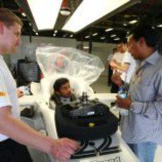 Karthikeyan subido en el Hispania F111