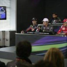 Kobayashi en la primera rueda de prensa oficial de 2011