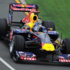 Vettel defiende su título en Australia