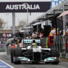 Nico Rosberg en la calle de boxes