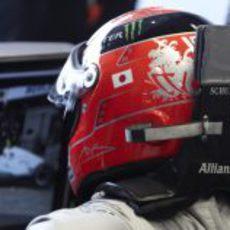 Schumacher homenajea a Japón en su casco