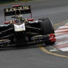 Heidfeld cayó en Q1 en su debut con Lotus Renault