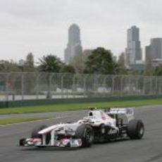 Sergio Pérez entra en la última curva
