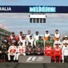 Foto de familia de la temporada 2011 de Fórmula 1