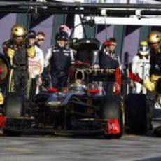 Mal debut para Heidfeld con Lotus Renault GP