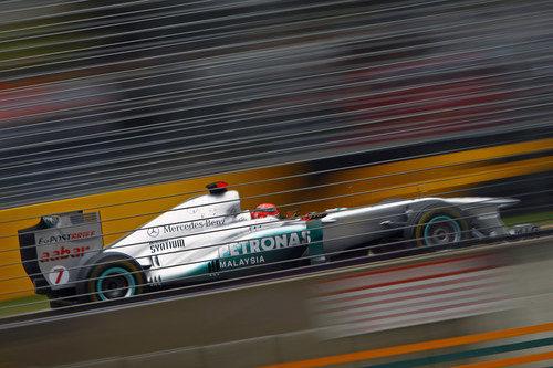 Schumacher rueda en el circuito de Albert Park
