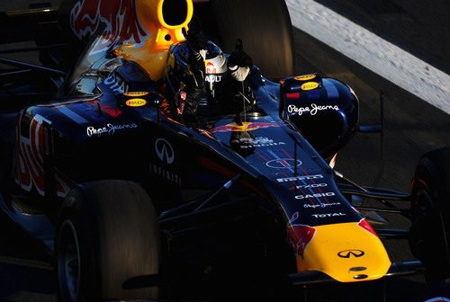 Vettel cruza la meta
