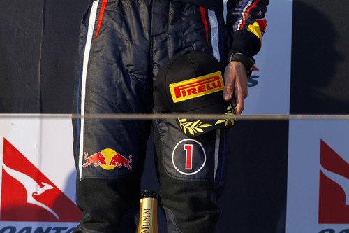 Las nuevas gorras de Pirelli en el pódium